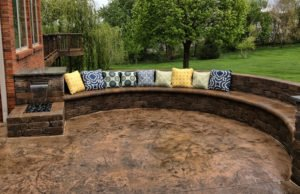 paver block wall patio seating