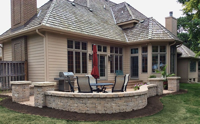des moines block paver wall and patio